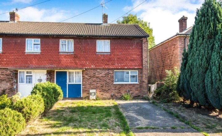 to rent in Guildford - Dunmore, Guildford, Surrey, GU2