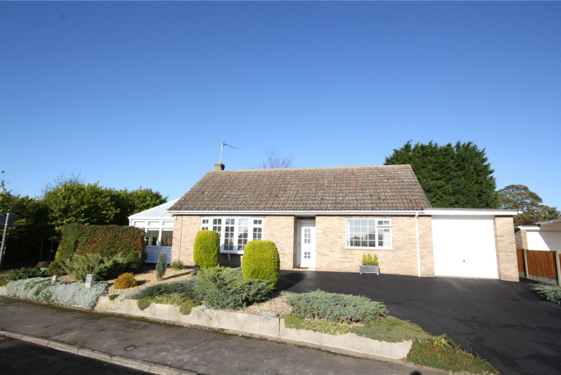 Bungalow for sale in Sleaford - Willoughby Close, Silk Willoughby, Sleaford, NG34