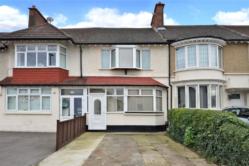 House to rent in Worcester Park - Bushey Road, Sutton, Surrey, SM1