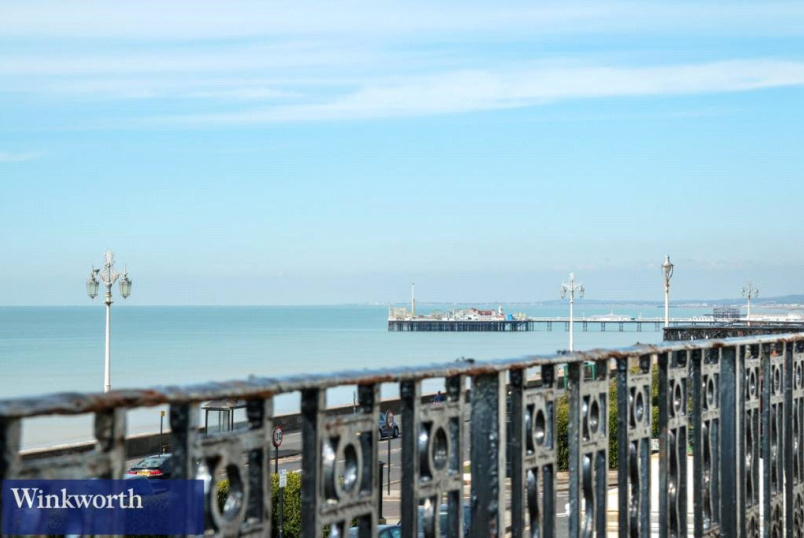 Maisonette for sale in Brighton & Hove - Arundel Terrace, Brighton, BN2
