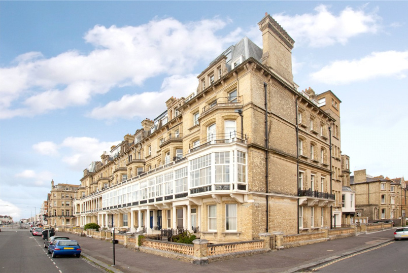 Flat/apartment for sale in Brighton & Hove - Royal Court, 8 Kings Gardens, Hove, BN3