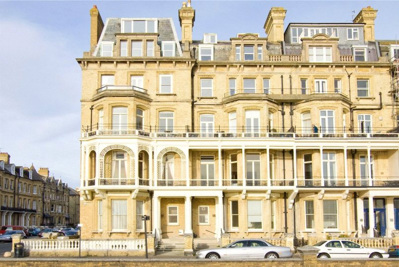 Flat/apartment for sale in Brighton & Hove - Kings Gardens, Hove, BN3