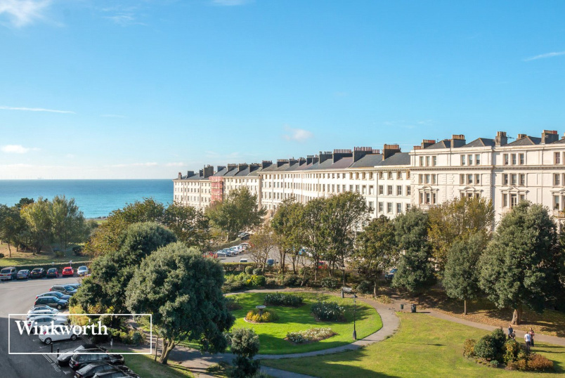 Flat/apartment for sale in Brighton & Hove - Palmeira Square, Hove, East Sussex, BN3