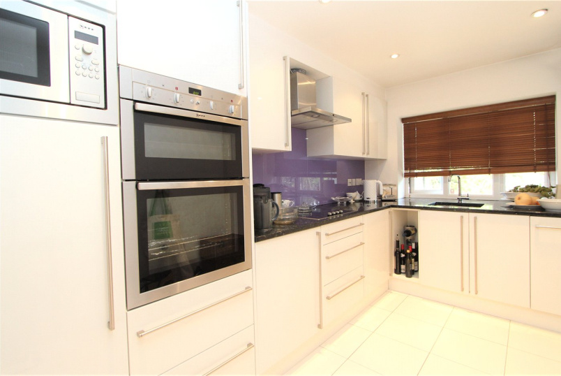 Flat/apartment to rent in Ealing & Acton - Gunnersbury Avenue, London, W5