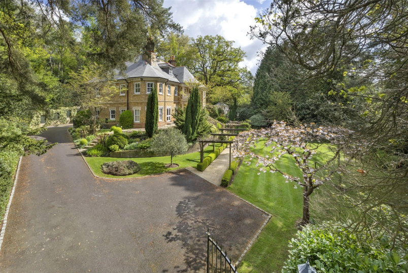 House for sale in Sunningdale - Woodlands Road West, Wentworth Estate, Virginia Water, GU25