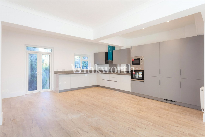 to rent in Hendon - Sunningfields Road, London, NW4
