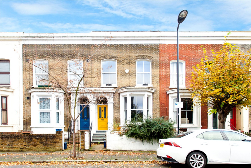 House to rent in Hackney - Lawley Street, London, E5