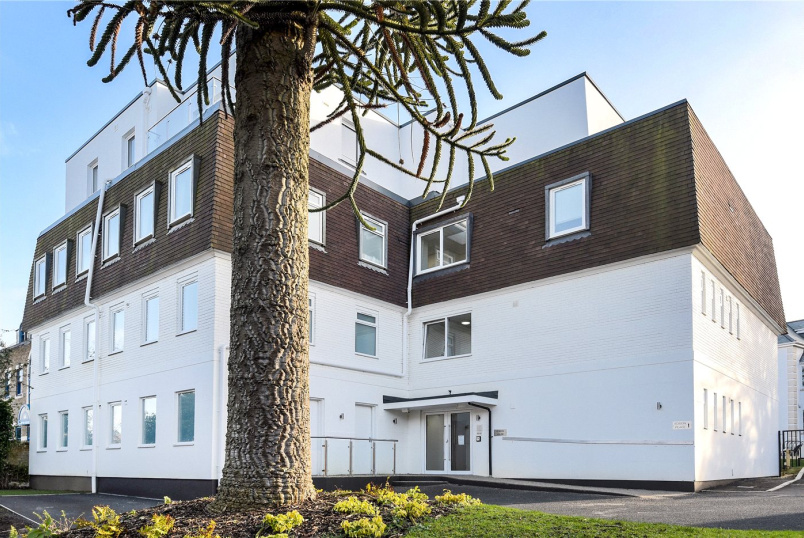 Flat/apartment to rent in Basingstoke - Edison House, 16-18 Winchester Road, Basingstoke, RG21