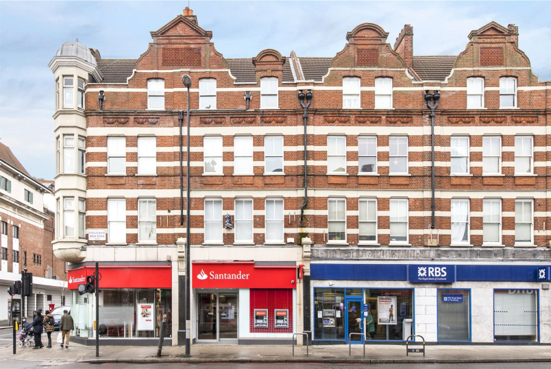 Flat/apartment to rent in Streatham - Streatham High Road, Streatham, SW16
