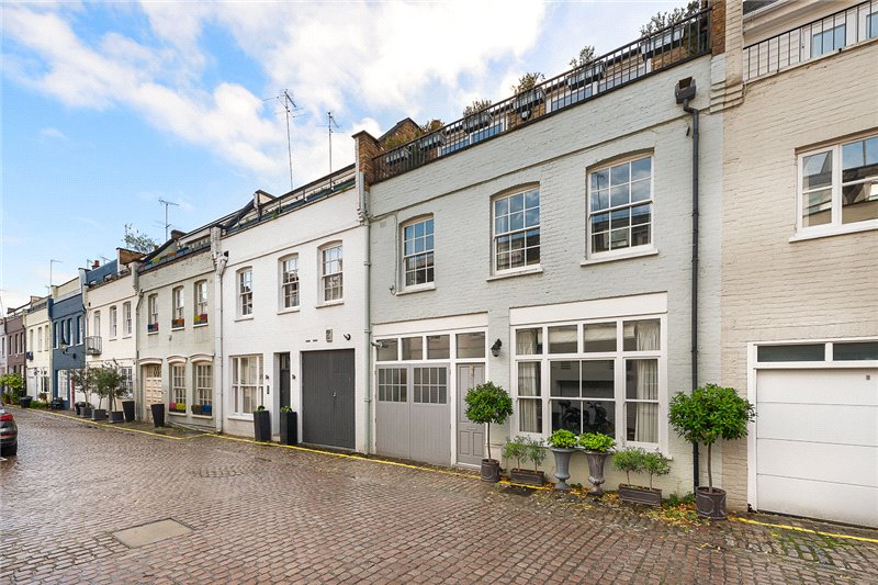 House for sale in Knightsbridge & Chelsea - Princes Gate Mews, London, SW7