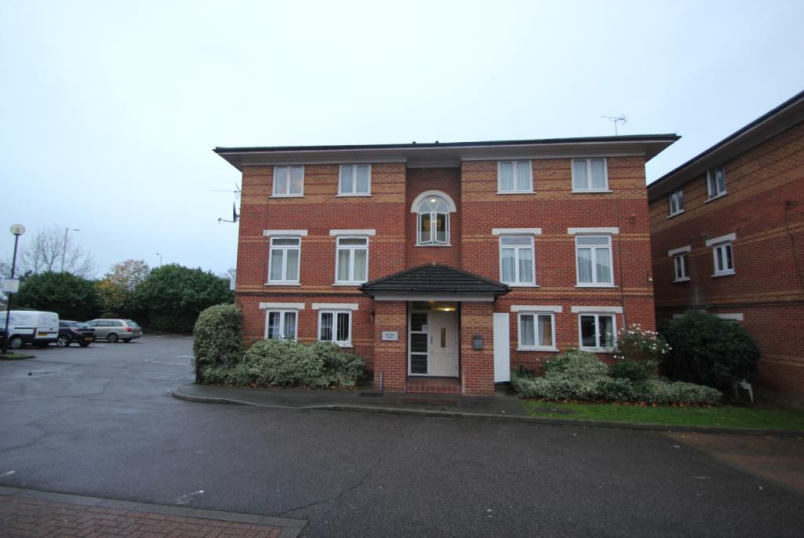 Flat/apartment to rent in Hendon - Rambler Court, 7 Swynford Gardens, London, NW4