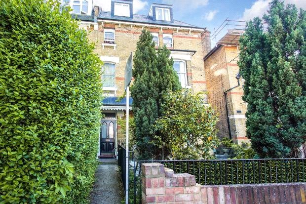 Flat/apartment for sale in Shepherds Bush & Acton - Cumberland Park, London, W3