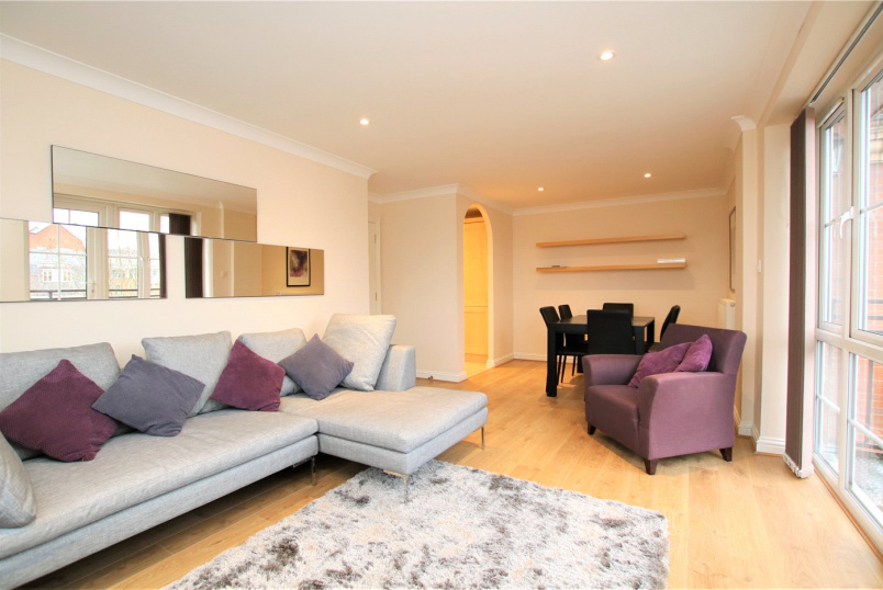 Flat/apartment to rent in Reading - Bear Wharf, Fobney Street, Reading, RG1