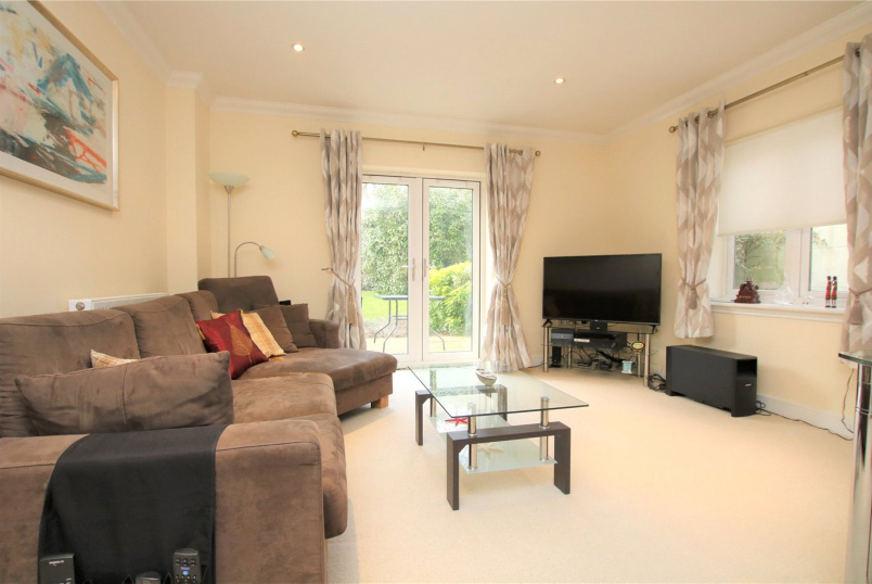 Flat/apartment to rent in Reading - The Pavilion, Upcross Gardens, Reading, RG1