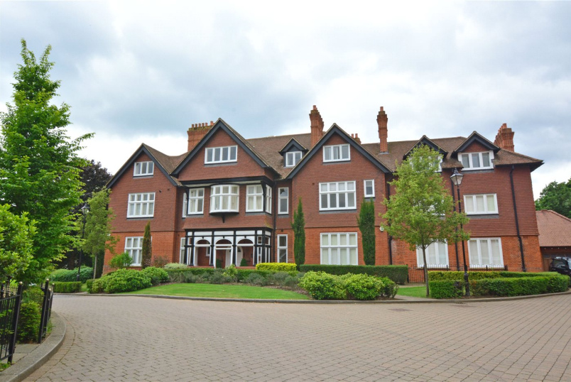Flat/apartment to rent in Chislehurst - Kingswood Mansions, 15 Newton Park Place, Chislehurst, BR7