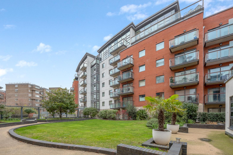 Flat for sale in Pimlico and Westminster - MONTAIGNE CLOSE, SW1P