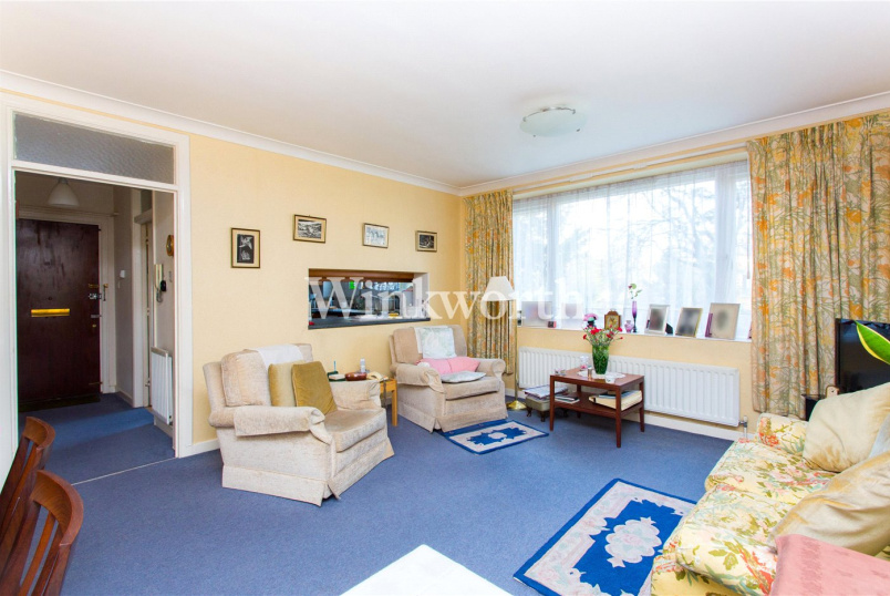 Flat/apartment for sale in Hendon - Edinburgh House, Tenterden Grove, London, NW4