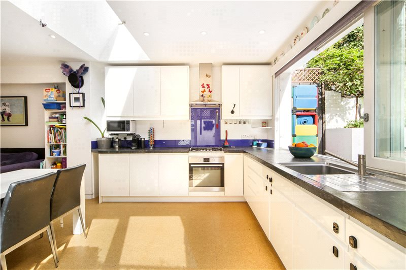 Flat/apartment for sale in Shepherds Bush & Acton - Stowe Road, London, W12