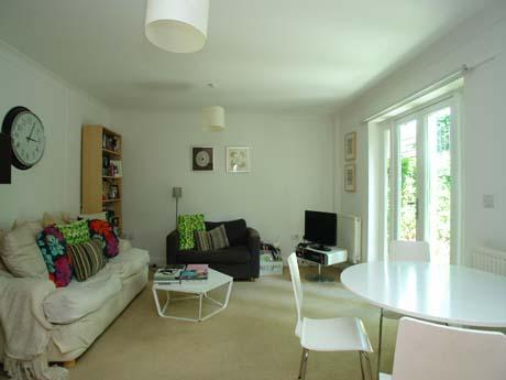 Flat/apartment to rent in Dulwich - Blenheim Grove, Peckham Rye, SE15