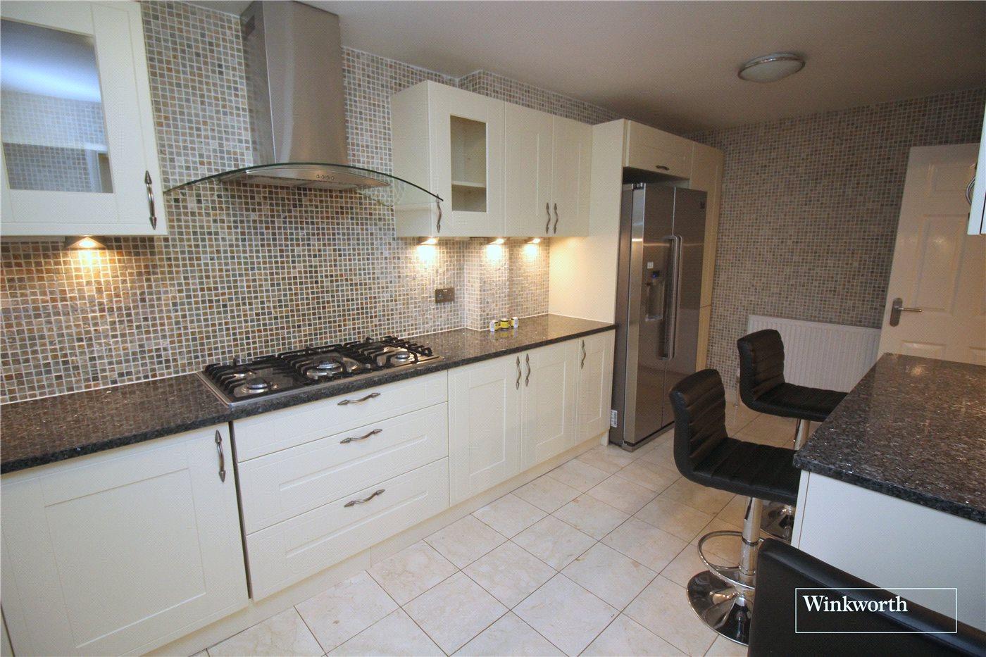 Stanborough Avenue Borehamwood Hertfordshire Wd6 4 Bedroom House In Borehamwood