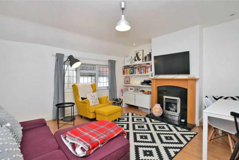 Maisonette for sale in Cheam - Bourne Way, Cheam, Sutton, SM1