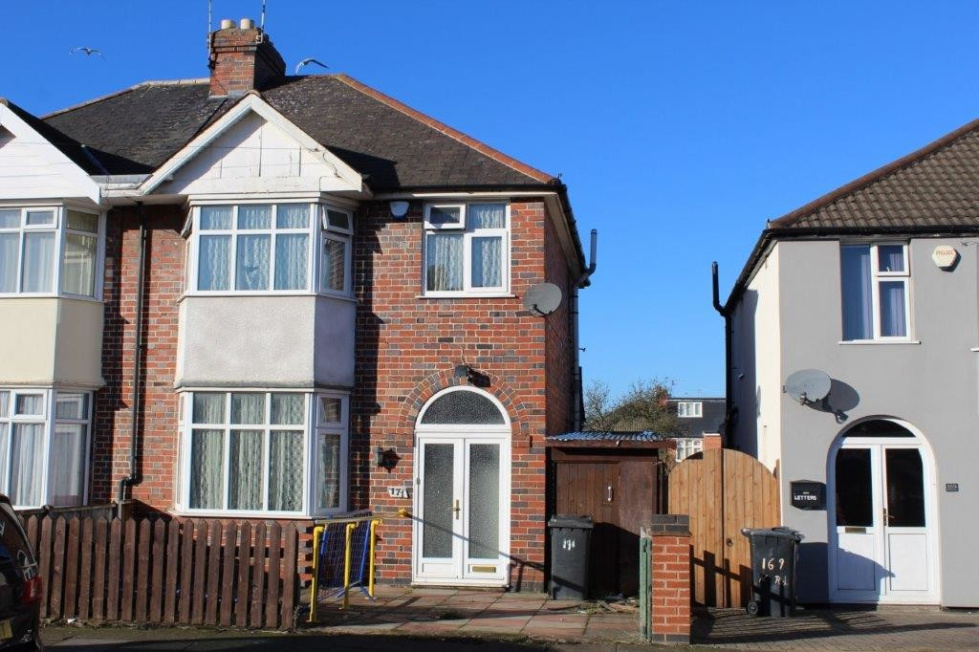 Fantastic 3 Bedroom Property For Sale In Kitchener Road North Beutiful Home Inspiration Truamahrainfo