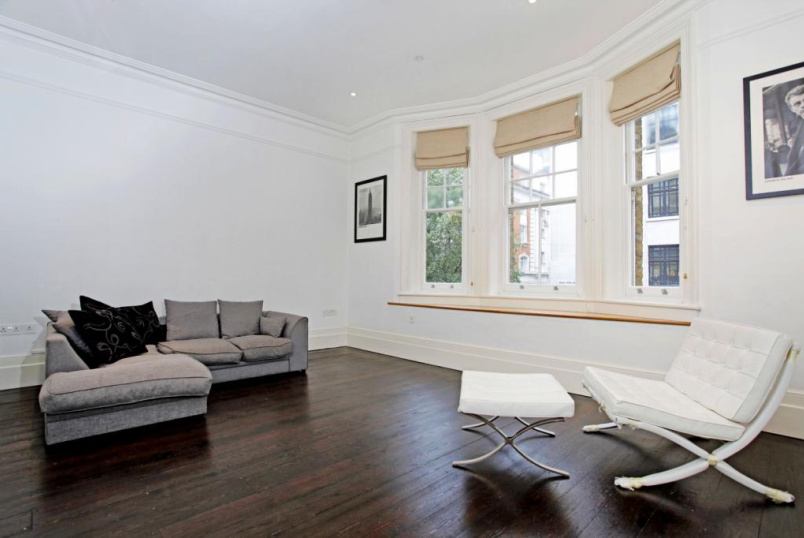 Flat/apartment to rent in West End - Great Portland Street, London, W1W