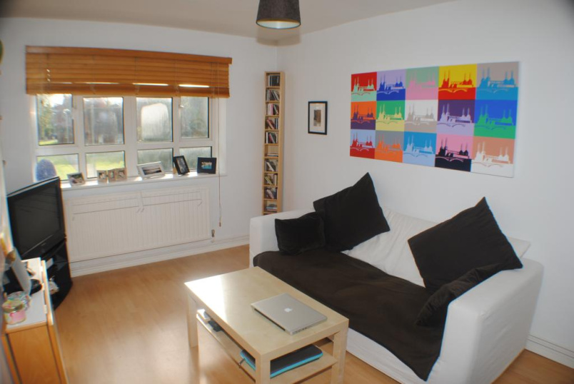Flat/apartment to rent in West Norwood - Glazebrook Close, London, SE21