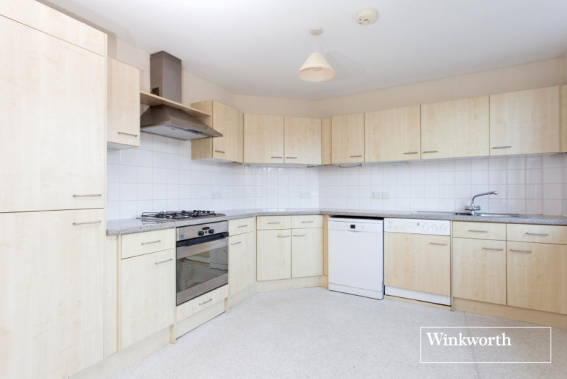 Flat/apartment to rent in Golders Green - Finchley Road, London, NW11