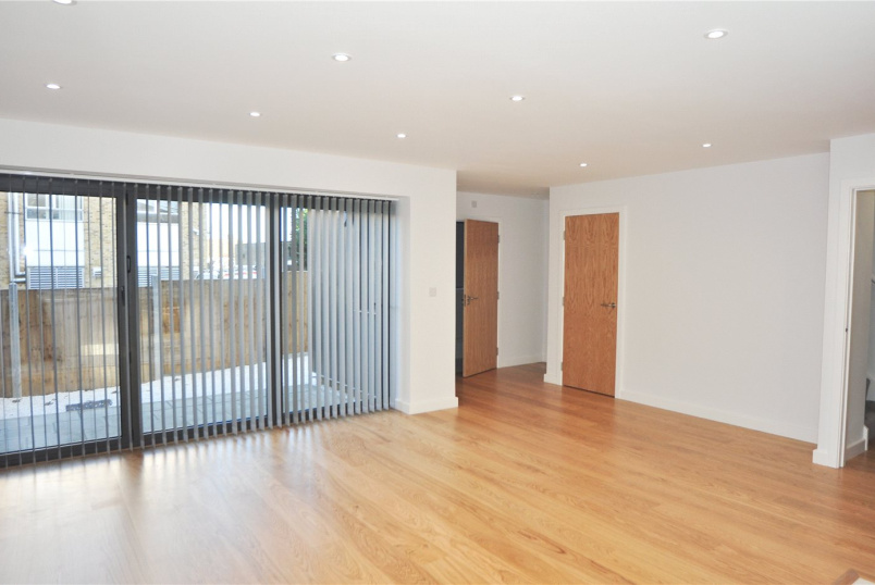 House to rent in Palmers Green - Cranbrook Lane, London, N11