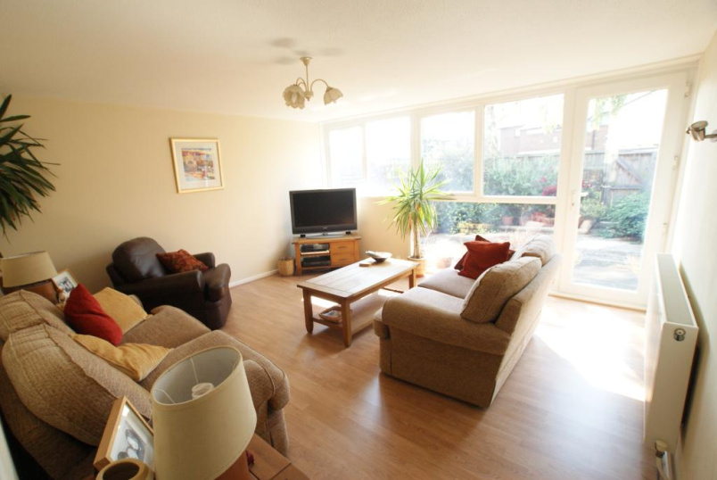House to rent in Harringay - Caradon Way, Tottenham, London, N15