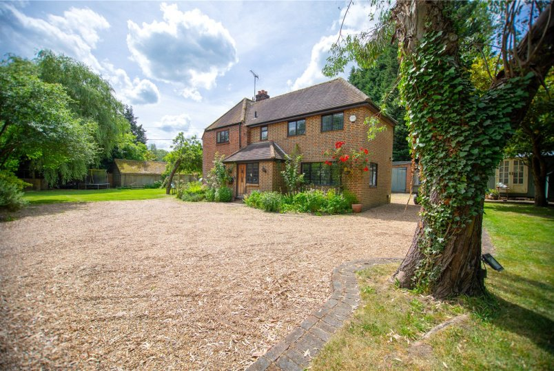 House for sale in Sunningdale - Highams Lane, Chobham, Woking, GU24