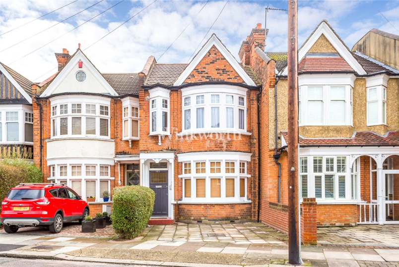 Flat/apartment for sale in Palmers Green - New River Crescent, London, N13