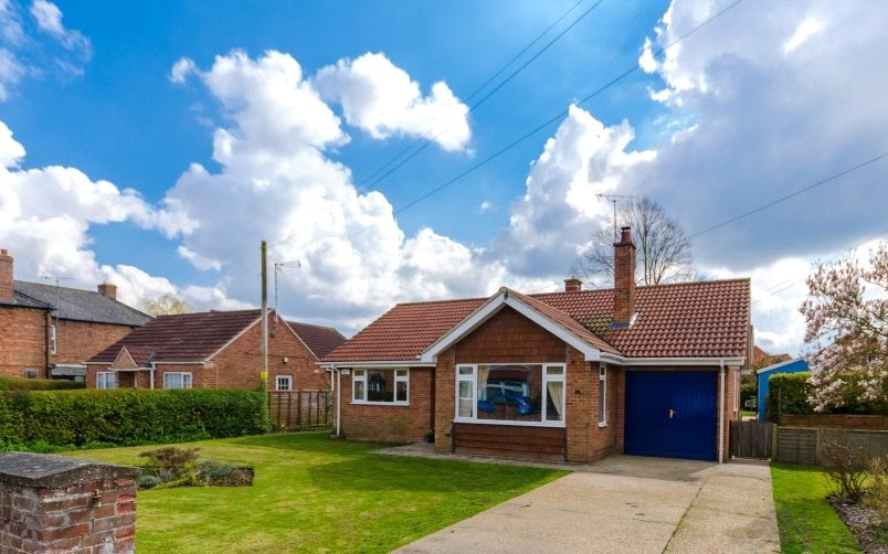 Bungalow to rent in Sleaford - New Street, Heckington, Sleaford, NG34