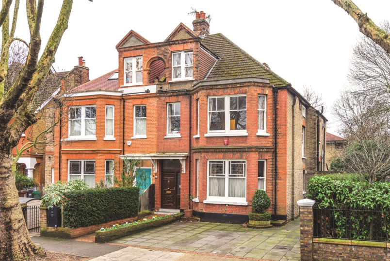 House for sale in Chiswick - Barrowgate Road, Chiswick, W4