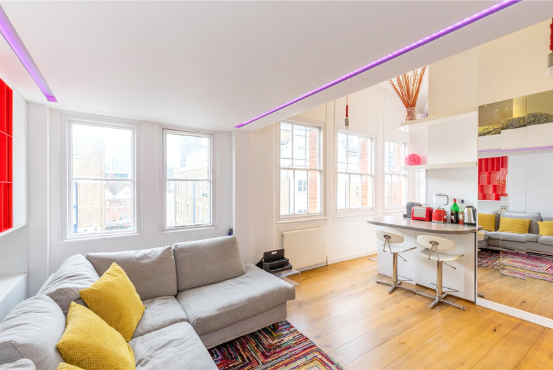 Flat/apartment to rent in Shoreditch - The Cloisters, 145 Commercial Street, London, E1