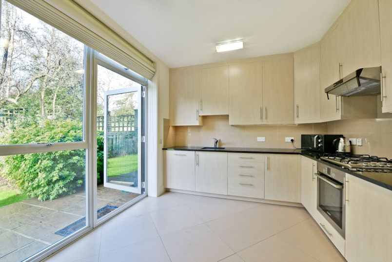 House to rent in Ealing & Acton - Amherst Road, Ealing, W13
