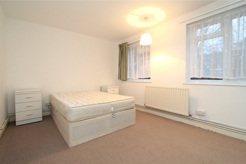 Flat/apartment to rent in Ealing & Acton - Meadway Court, The Ridings, W5