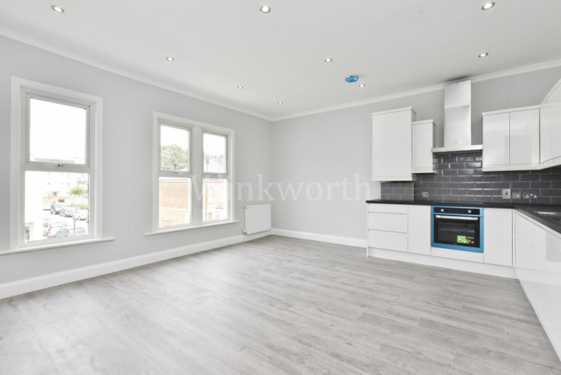 Maisonette to rent in Harringay - Hermitage Road, London, N4