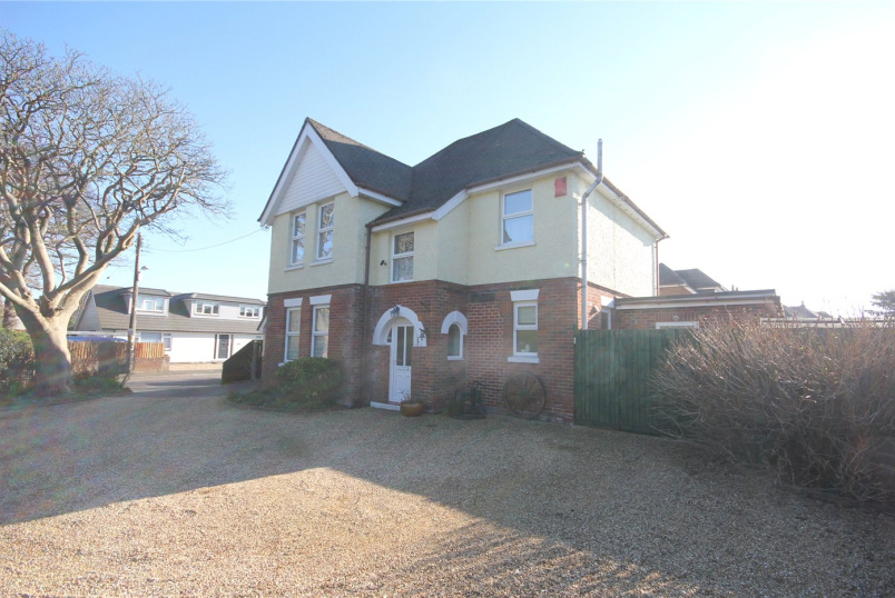 House for sale in Mudeford - Ringwood Road, Walkford, Christchurch, BH23