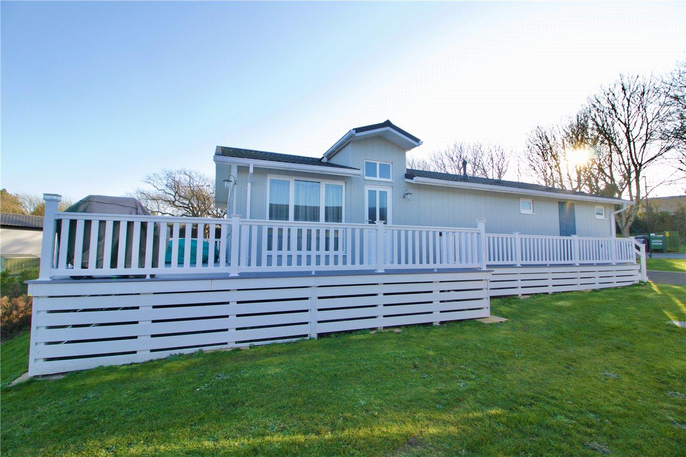 2 bedroom property for sale in Dane Park, Shorefield Holiday