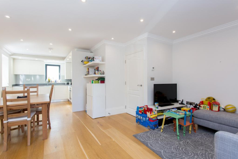 Flat/apartment to rent in Highbury - Lough Road, Islington, N7