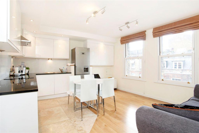 Flat/apartment to rent in Clerkenwell & City - Reids Building, Leather Lane, Clerkenwell, EC1N