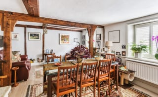 A beautiful characterful property close to shops and walking distance to train stations