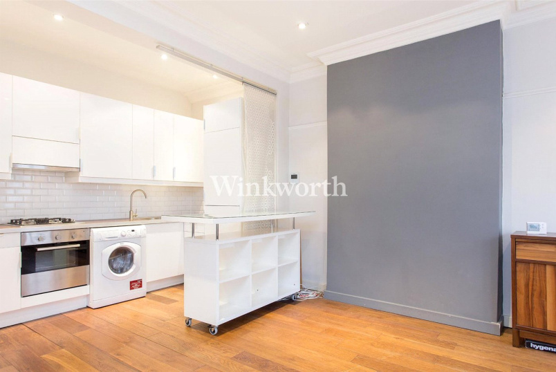 Flat/apartment to rent in Golders Green - North End Road, London, NW11