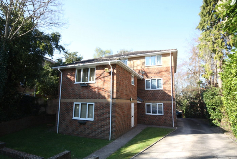 Flat/apartment to rent in Westbourne - Surrey Arches, 92 Surrey Road, Poole, BH12