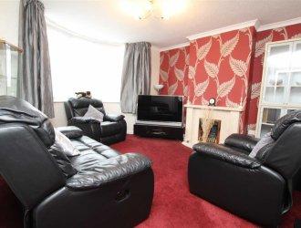 Properties for sale between £250,000 and £400,000 in
