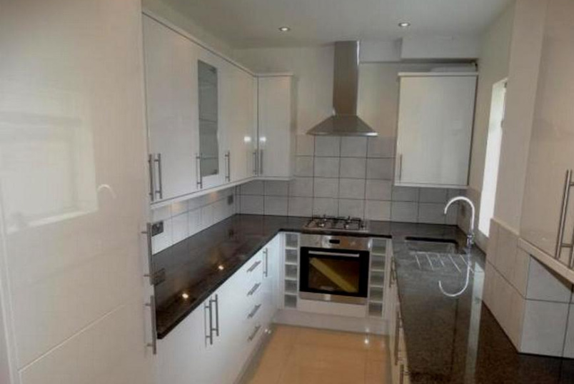 Flat/apartment for sale in  - Faversham Road, Beckenham, BR3