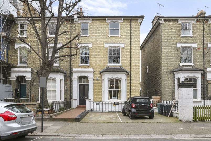 Flat/apartment for sale in  - Hammersmith Grove, Brackenbury Village, W6