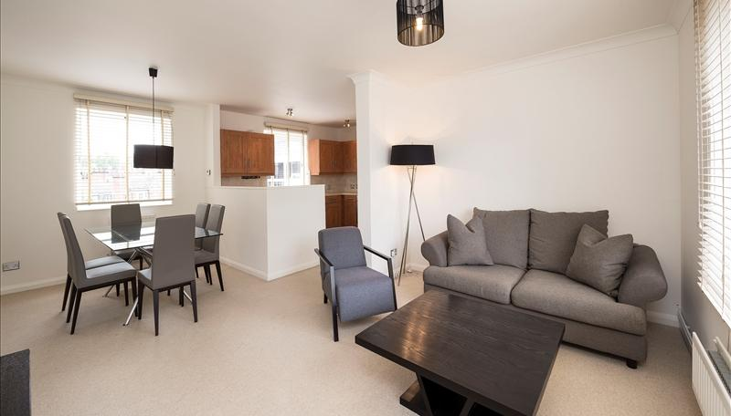 Flat/apartment to rent in Knightsbridge & Chelsea - Fulham Road, Chelsea, SW3